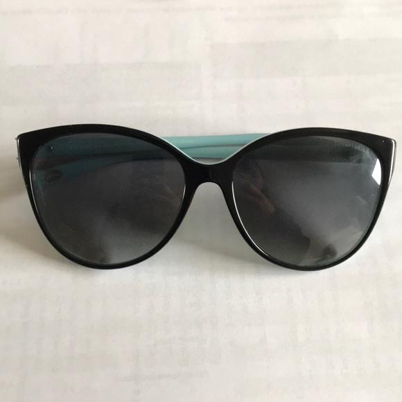 99bc8466b47 Tiffany   Co. Victoria Cat Eye sunglasses. M 5ac564ca3800c51f296745f4.  Other Accessories ...